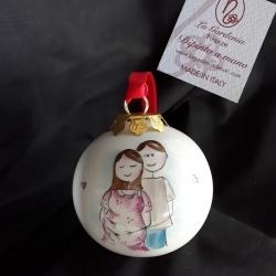 Palla di Natale con donna incinta